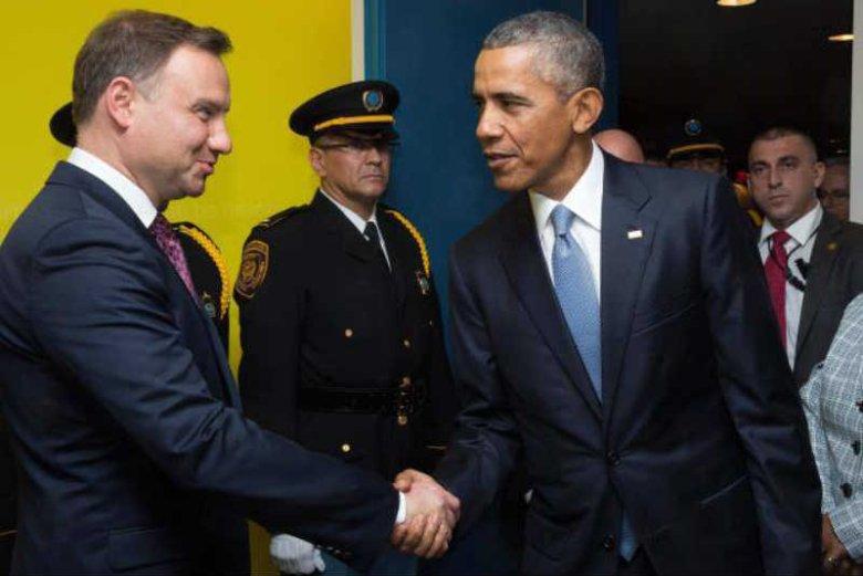 O dłuższym spotkaniu z Barackiem Obamą Andrzej Duda może na razie zapomnieć. Na zdjęciu podczas Zgromadzenia Ogólnego ONZ we wrześniu 2015 roku.