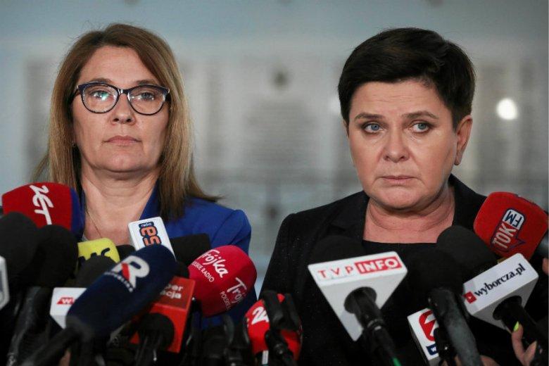 Beata Mazurek napisała, że Robert Biedroń wezwał członków swojej grupy politycznej do głosowania przeciwko kandydatom PiS.