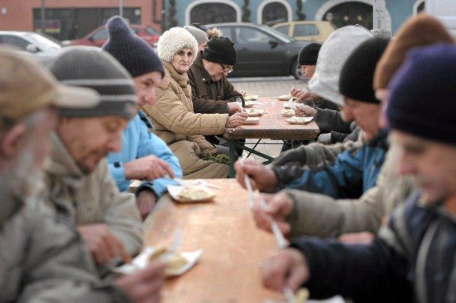 Ruszyła akcja zbierania świątecznej żywności dla bezdomnych.