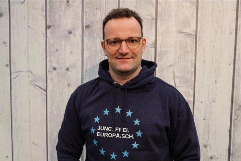 Jens Spahn, zadeklarowany homoseksualista typowany jest na nowego szefa MON w zastępstwie Ursuli von der Leyen