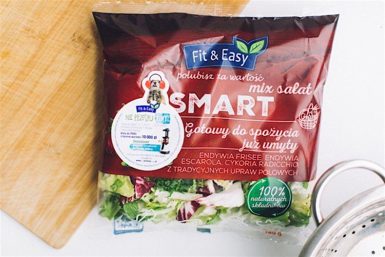 Mieszanka sałat Fit&Easy (endywia escarole, endywia frisee, cykoria radicchio), która posłużyła do przygotowania wegańskiej sałatki