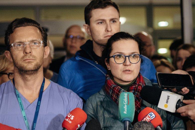 Aleksandra Dulkiewicz w szpitalu, w którym operowany był prezydent Adamowicz po ataku nożownika