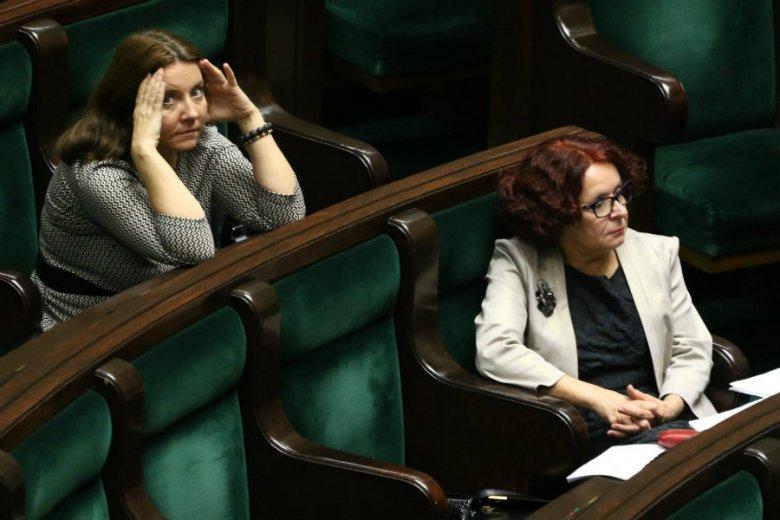 Sejm ustanowił nowe, jednorazowe święto - 12 listopada. Uzasadnienie projektu przedstawiała Elżbieta Kruk z PiS.