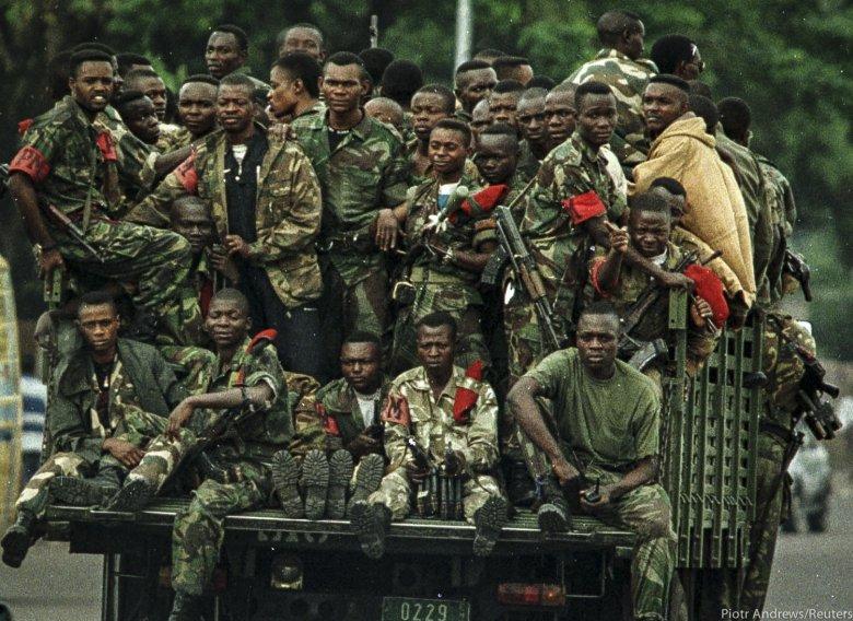Ciężarówka z żołnierzami Kabili