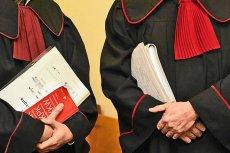 CBA przekazało prokuraturze nagranie, na którym znajdują się zapisy jedenastu rozmów polskich VIPów.