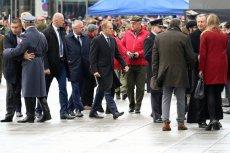 Donald Tusk podczas składania kwiatów pod Grobem Nieznanego Żołnierza został wygwizdany. Na tym kończą się nawoływania do wspólnego świętowania odzyskania przez Polskę niepodległości.