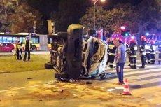 Do wypadku z udziałem samochodu kurierskiego firmy GLS i radiowozu jadącego na czele kolumny BOR doszło wczoraj u zbiegu ulic Hynka i Żwirki i Wigury.