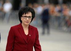 Elżbieta Witek zdjęła kotarę w Sejmie i cofnęła nakaz kontroli bagażników w samochodach wjeżdżających na teren Sejmu.