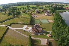 Robert Lewandowski posiada m.in. dom w miejscowości Stanclewo w Warmii.