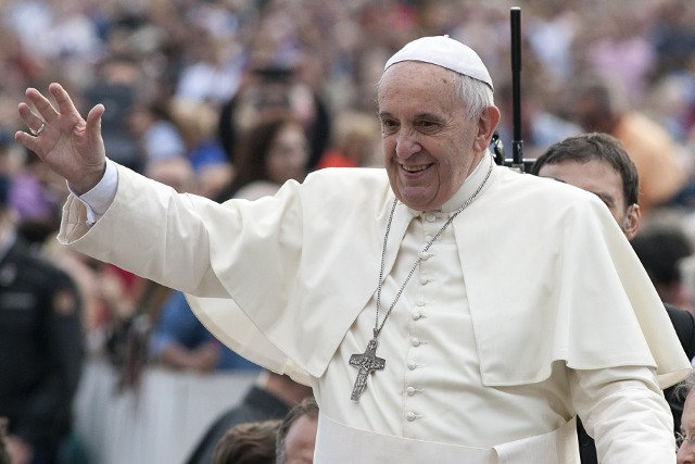 Papież Franciszek podkreślił, że teorie ewolucji i wielkiego wybuchu nie są sprzeczne z nauczaniem Kościoła