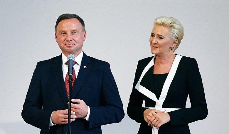 Prezydent Andrzej Duda i jego małżonka Agata Kornhauser-Duda podczas inauguracji roku szkolnego w Gdyni.