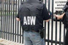 Funkcjonariusze ABW zatrzymali w Warszawie dwie osoby podejrzane o przygotowanie ataków z wykorzystaniem materiałów wybuchowych.