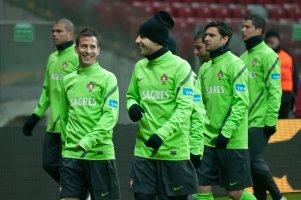 Piłkarze Portugalii zaczynają rozgrzewkę...