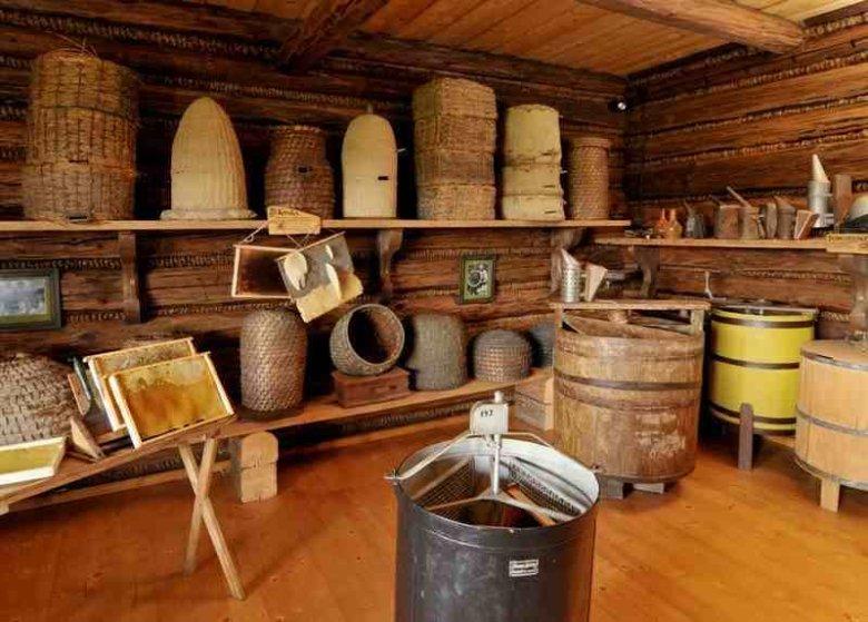 Muzeum pszczelarstwa potrafi zadziwić i zaciekawić.