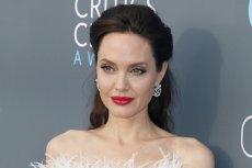 Angelina Jolie rozstała się w tym roku z Bradem Pittem.