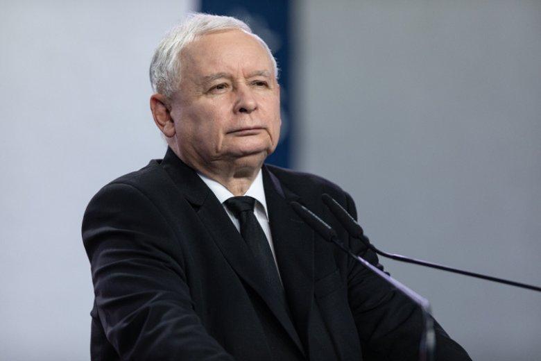 Afera marszałka Kuchcińskiego w ogóle nie wstrząsnęła notowaniami PiS.