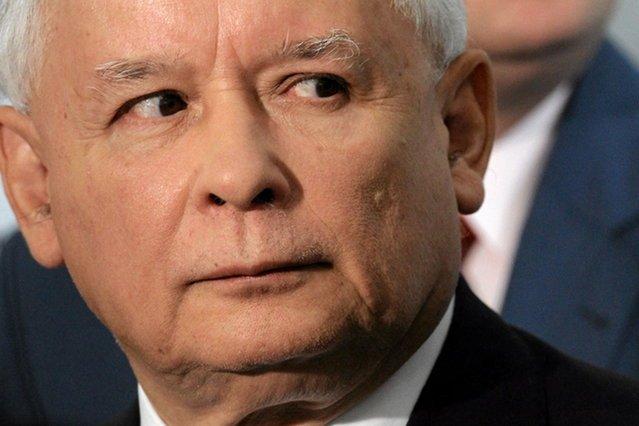 Jarosław Kaczyński jest skazany na utratę wszechwładzy, którą Polacy dali mu 25 października. Kto mu ją odbierze?