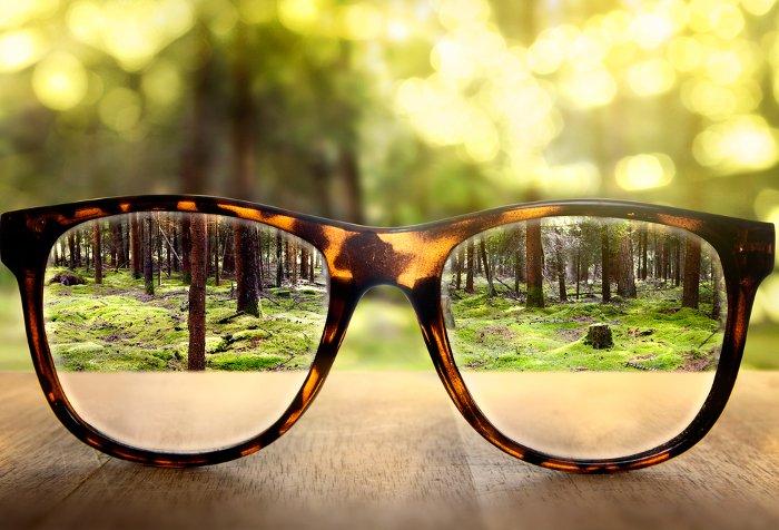 Okulary, nie tylko korekcyjne, ale również przeciwsłoneczne, to dla wielu Afrykańczyków wciąż luksus