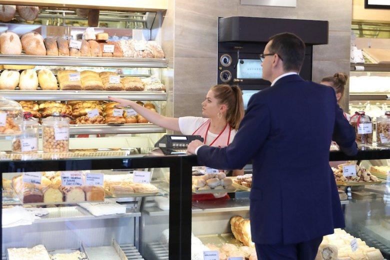 Premier Morawiecki postanowił zaopatrzyć się w Katowicach w pieczywo i ciasto