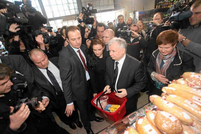 """Polacy coraz mocniej odczuwają rosnące ceny w sklepach, wynika z sondażu IBRiS dla RMF FM i """"DGP""""."""