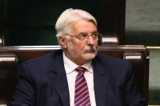 Były minister skarży się na warunki lotu do Brukseli.