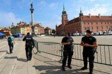 Na dziedzińcu Zamku Królewskiego odbywają się uroczystości 550-lecia parlamentaryzmu w Polsce.