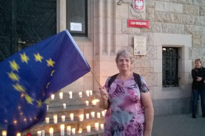 Krystyna Malinowska mieszka w Bydgoszczy i należy do Obywateli RP.