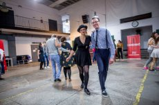 Lindy hop to styl tańca popularny wśród millenialsów