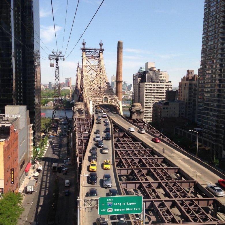 Ed Koch Queensboro Bridge, między Manhattanem a Wyspą Roosevelta