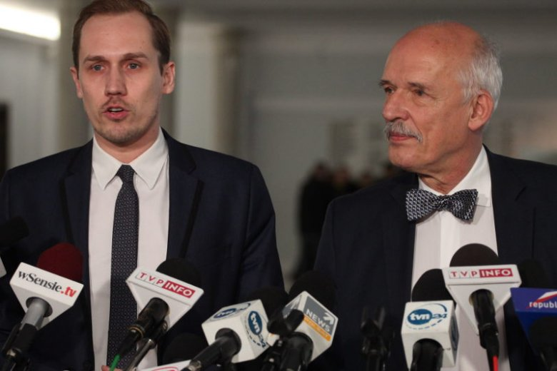 Konrad Berkowicz naśladuje Janusza Korwin-Mikkego. Długo mówiło sięo tym, że to on zresztą będzie jego następcą.