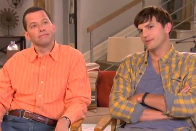"Jon Cryer oraz Ashton Kutcher z ""Dwóch i pół""."