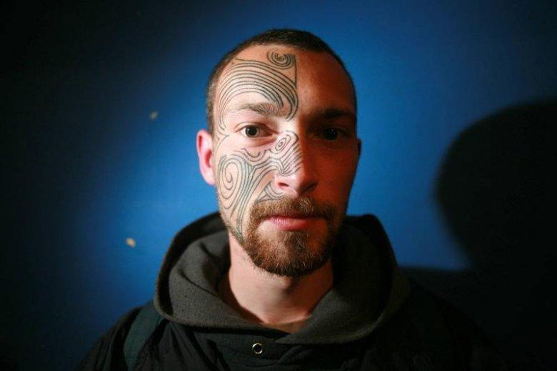 Tatuaż Nie Ma Przecież Wpływu Na Jakość Pracy O Zdobienie