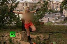 Aktywistka Femenu ścięła krzyż