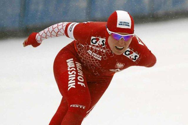 Polskie łyżwiarki szybkie zdobyły srebro na mistrzostwach świata w Soczi. Na zdjęciu Natalia Czerwonka, jedna z triumfatorek.