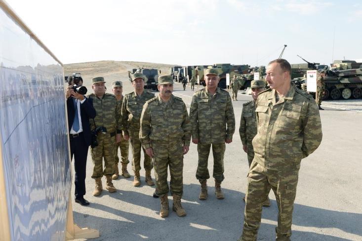 Aliyev na ćwiczeniach wojskowych w Azerbejdżanie 26 czerwca.