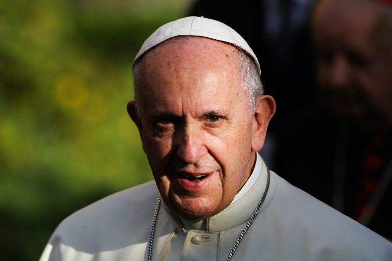 Watykan zachęca episkopaty do spotkania z ofiarami pedofilii.