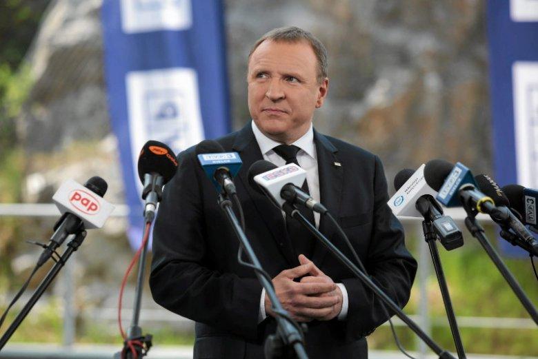 """Jacek Kurski za późno poznałstanowisko PiS ws. referendum Dudy, więc """"Wiadomości"""" milczały."""