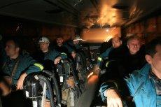 2006 rok. Ratownicy z Okręgowej Stacji Ratownictwa Górniczego jadą na akcję ratunkową do kopani Halemba.