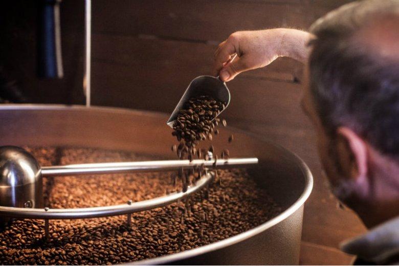 W kawie można wyczuć więcej aromatów niż w winie - pod warunkiem, że smakujemy napar z ziaren dobrej jakości