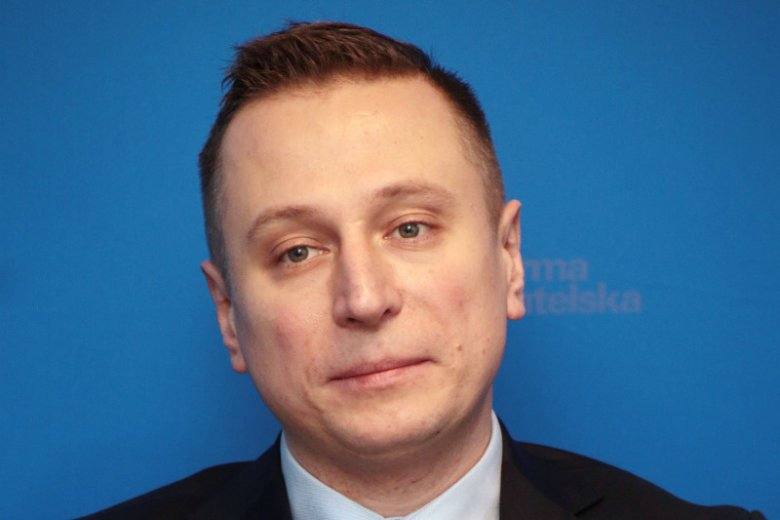 """Krzysztof Brejza i jego """"Bum!"""" – poseł ujawnił, ile pieniędzy na reklamy w propisowskich mediach wydał w ostatnich latach Narodowy Fundusz Ochrony Środowiska i Gospodarki Wodnej."""