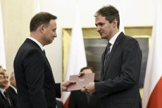 Adam Jarubas opowiedział o kulisach swojej rezygnacji w prezydenckiej Narodowej Radzie Rozwoju. Na zdjęciu przyjmuje nominację Andrzeja Dudy.