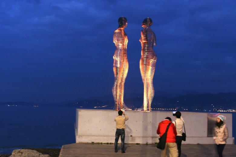 Ali i Nino na nabrzeżu Batumi
