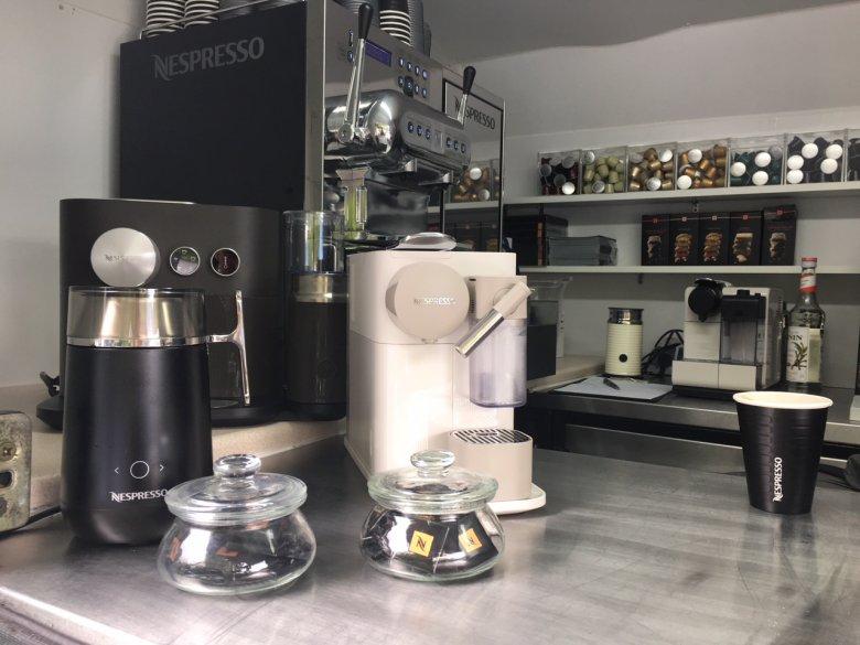 Wnętrze Coffee Trucka Nespresso