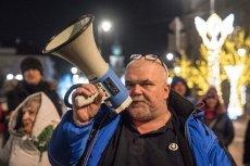 Pobity pod Sejmem Maciej Bajkowski należy do stowarzyszenia Obywatele Solidarnie w Akcji