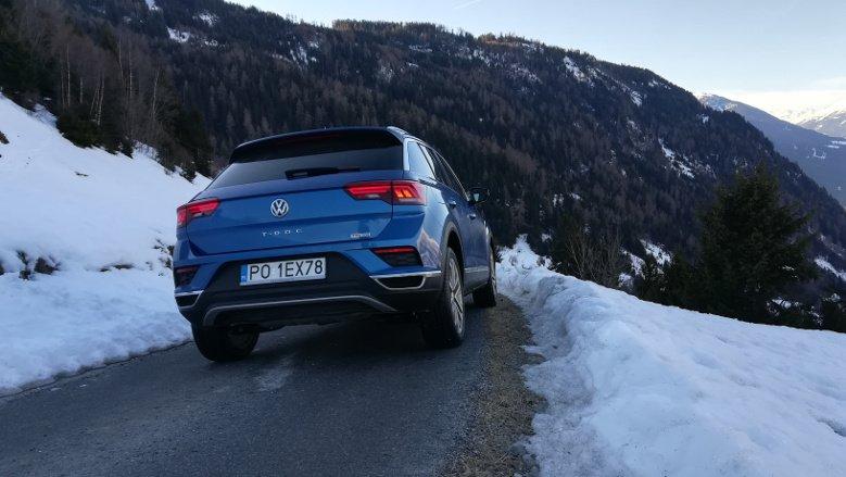 VW T-Roc utrzymuje ostatnią linię stylistyczną marki.