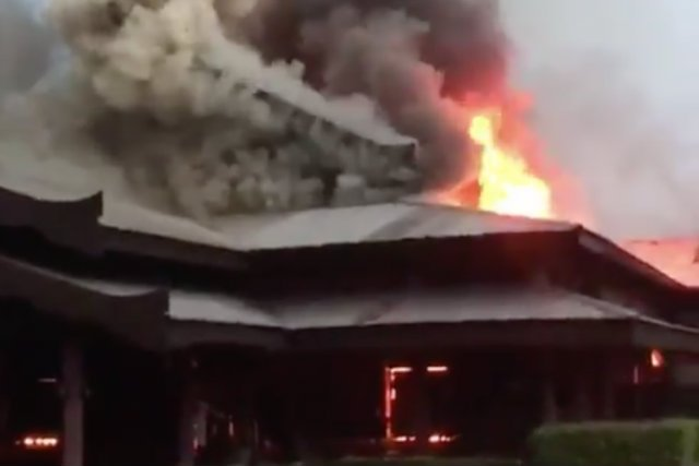 34 polskich turystów musiało uciekać przed pożarem w hotelu w Malezji.