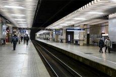 Pasażerowie wysiadający na Warszawa Śródmieście byli w środę świadkami niecodziennego zdarzenia.