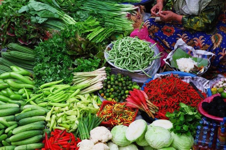 [url=http://shutr.bz/1qtQMJF] Świeże warzywa na targu w Malezji [/url]