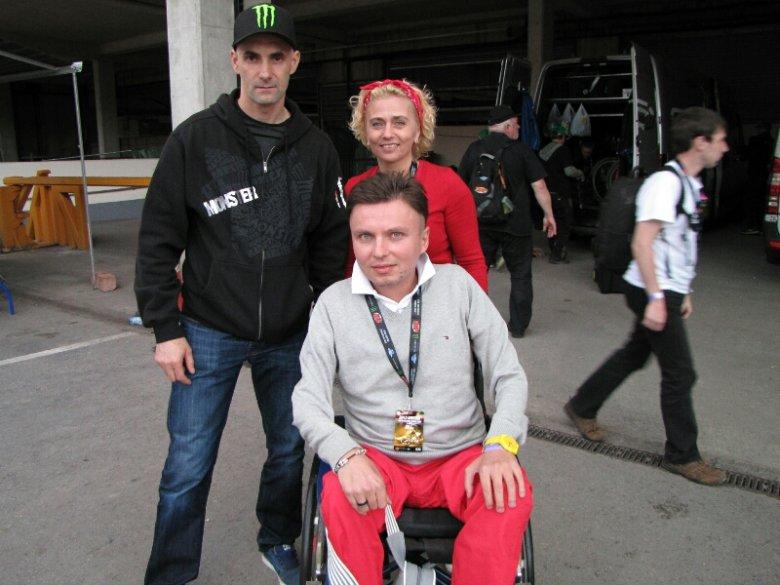 Autor z przyjaciółką i Tomaszem Gollobem po Speedway Grand Prix w Cardiff
