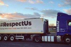 50 takich ciężarówek wyruszyło w Europę z hasłem Respect Us.